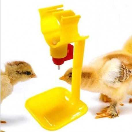 Napájačka s miskou pre kurčatá, sliepky a prepelice