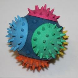 Lopta s ostňami z tvrdej gumy 7cm